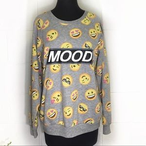 Freeze Mood Emoji Graphic Sweatshirt